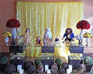 Locação Decoração Aniversário Adulto Tema da Bela e a Fera Com Mesas de Vidro e Cortina de Led