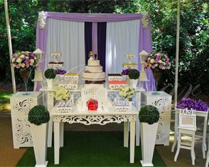 Decoração de Casamento Lilás Roxo e Branco Com 2 Mesas em Provençal