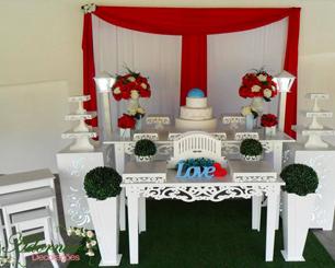 Decoração Casamento Vermelho e Branco Com Detalhe Azul