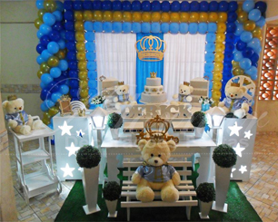 Decoração Chá de Bebê Principe Urso Dourado Azul Escuro e Azul Claro Com Duas Mesas