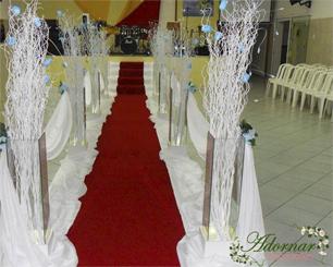 Decoração Corredor de Cerimônia Com Árvore Francesa Azul Turquesa e Branco