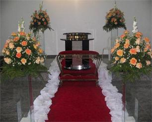 Decoração Corredor de Cerimônia Laranja e Branco