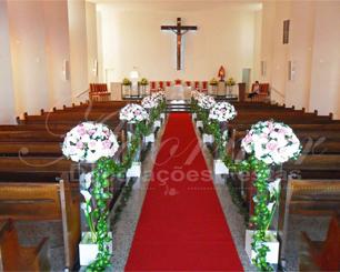 Decoração Corredor de Cerimônia em Rosa e Branco