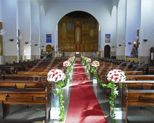 Decoração Corredor de Cerimônia Vermelho e Branco Com Folhas Eras