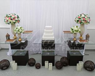 Decoração Casamento Com Mesa de Vidro em Marrom Rosa e Branco